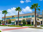 Pearland, Productive workspace for three that comes with