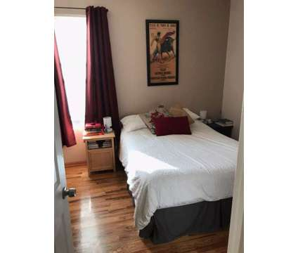 Room for Rent in 2.5 bedroom condo at 2141 N. Point St. in Chicago IL is a Condo
