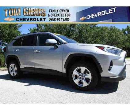 Used 2020 Toyota RAV4 FWD (SE) is a Silver 2020 Toyota RAV4 2dr Car for Sale in Palm Coast FL