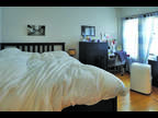 This great 2 bed, 1 bath sunny apartment is located in the Riverside area on
