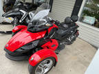 2009 Can-Am Spyder™ GS Roadster with SE5 Transmission (semi auto)