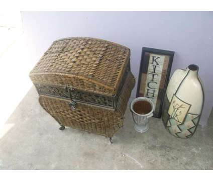 Home Decor Items is a Used Home Decors for Sale in Katy TX