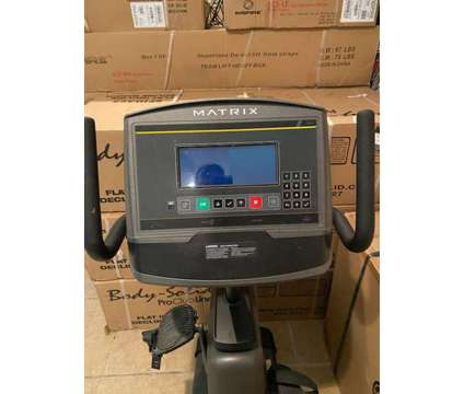 Matrix Fitness R30 Recumbent Bike w/XR Console is a Exercise Equipment for Sale in Mount Pleasant SC