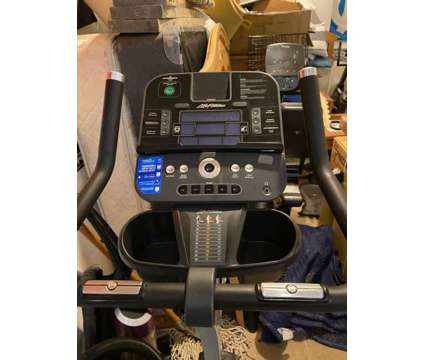 Life Fitness C3 Upright Bike w/Track Console is a Exercise Equipment for Sale in Mount Pleasant SC