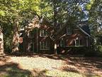 4813 Edgecliff Ct, Holly Springs, Nc 27540