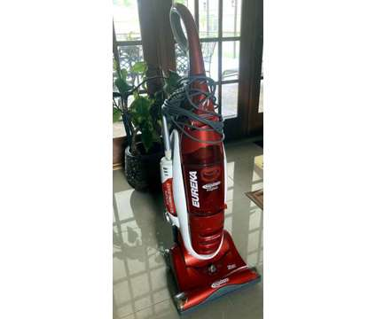 Bagless Upright Vacuum Cleaner is a Cleaning & Vacuumings for Sale in Orlando FL