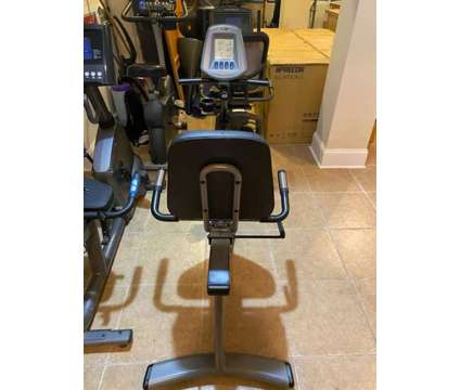 Vision Fitness R2000 Recumbent Bike is a Exercise Equipment for Sale in Mount Pleasant SC
