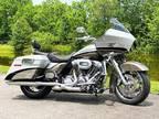 2009 Harley-Davidson Touring Road Glide® CVO™ FLTRSE3