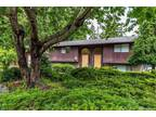 Oak Harbor 1.5 BA, Some privacy in natural setting for