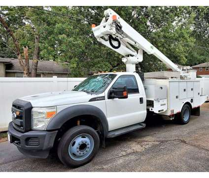 2012 Ford F-550 Super Duty 4X2 2dr Regular Cab is a 2012 Ford F-550 Bucket Truck in Kansas City MO